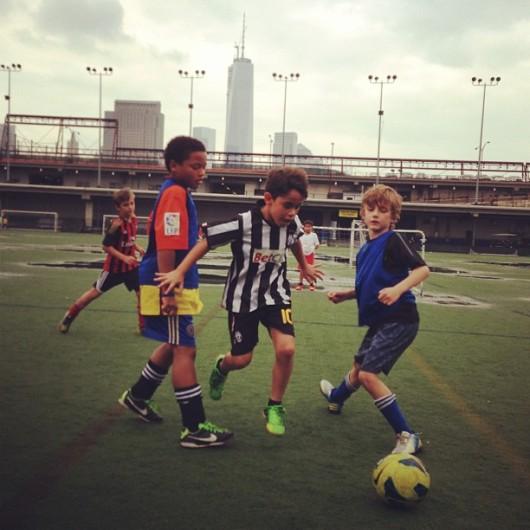 תנו לשחק כדורגל וזה לא משנה איפה עם הרד בולס בניו יורק או הוולפסון - עידודו רק רוצה לשחק כדורגל, בשקט!